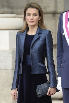 Spanish Crown Princess Letizia during an military 2014 act in Madrid Royal Fashion, Look Fashion, Womens Fashion, Fashion Design, Queen Letizia, Princess Letizia, Jackets For Women, Clothes For Women, Blazer Outfits
