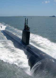 Chesapeake Bay (July 30, 2004) - The nuclear powered attack submarine, USS Albany (SSN 753) transits the Chesapeake Bay as it returns from a scheduled six-month deployment.