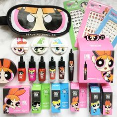 Makeup Kit, Beauty Makeup, Diy Makeup, Makeup Tools, Powerpuff Girls Makeup, Shimmer Lip Gloss, Makeup Package, Wedding Tattoos, Makeup Cosmetics