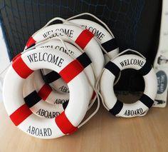 Nautical Wreath, Nautical Theme, Seashell Shadow Boxes, Sailing Theme, Deco Marine, Driftwood Furniture, Pool Party Decorations, Life Preserver, Summer Door Wreaths