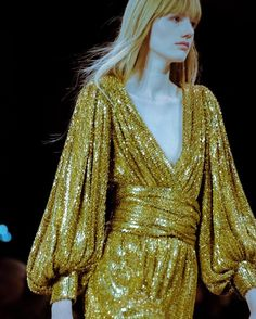 What went down at Hedi Slimane's first Celine show : celine paris pfw hedi slimane fashion week Seventies Fashion, 80s Fashion, Look Fashion, Runway Fashion, Fashion Dresses, Fashion Design, Lolita Fashion, Fashion Boots, Moda Disco
