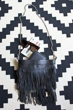 Accessories| fringed bag