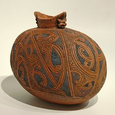 Vessel by Wi Te Tau Pirika Taepa, Māori artist (K70707)