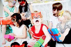 www.dayfotografi.se www.ejvor.se Ejvor, barnkalas, party, masks, djurmasker, barn, färgglatt, colors, happy, childrens party, Dayfotografi, Sara Landstedt, ejvorfriends