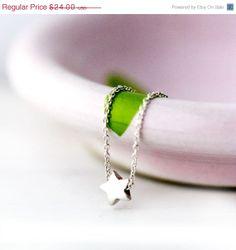 NOIR vendredi ETSY  petit collier Silver Star / Make a par burnish, $21.60