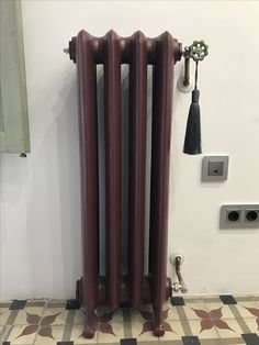 Radiador hierro. Cast iron radiator with hydraulic tiles