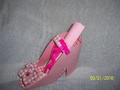 http://mycraftandartcreations.blogspot.gr/2010/01/pink-shoe-butterfly.html