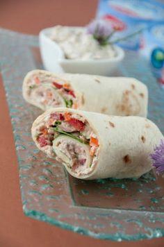 Thunfisch Wrap - Food and drink - Wrap Vegetarian Fajitas, Vegetarian Recipes, Snack Recipes, Healthy Recipes, Snacks, Tortilla Recipe, Fajita Recipe, Paninis, Tuna Wrap