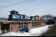 RailPictures.Net Photo: CR 8673 Conrail EMD SW8 at Easton, Pennsylvania by Jack D. Kuiphoff