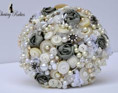 Items similar to Pearl Bouquet Brooch bouquet Peal Wedding Vintage Bouquet on Etsy