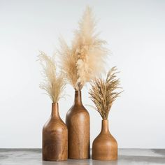 large wooden tapered vase The post Amari Bottle Vase appeared first on Dekoration. Articles En Bois, Grass Decor, Branch Decor, Wood Vase, Vase Centerpieces, Pampas Grass, Bottle Vase, Wooden Art, Home Design
