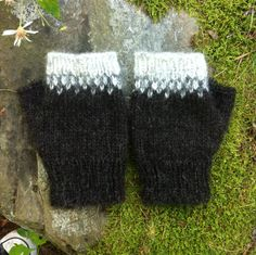Icelandic Fingerless Mittens / Gloves Hand Knit in Black Sheep and Grey Wool…