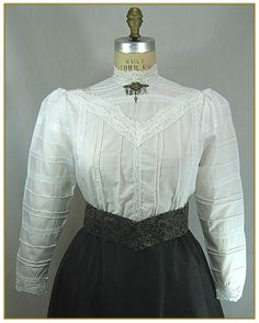 2b09e1625a2c93 23 Best Ladies Victorian Blouses images