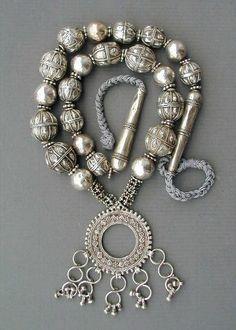 thestylishgypsy:  Yemen |Antique silver Bedouin necklace