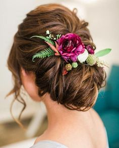 Floral hair piece for our lovely bride Floral Wedding Hair, Romantic Wedding Hair, Beach Wedding Hair, Wedding Hair Down, Wedding Hairstyles For Long Hair, Wedding Hair Pieces, Floral Hair, Wedding Poses, Boho Wedding