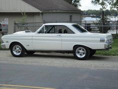 1964 Falcon, I love this year! My sister had a gray one years ago and it was gorgeous! Classic Trucks, Classic Cars, 1964 Ford Falcon, Good Looking Cars, Mercury Cars, Old Fords, Ford Fairlane, Unique Cars, Hot Rides