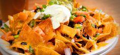 Que tal preparar os tradicionais nachos mexicanos em sua casa para fazer festinhas temáticas nos finais de semana? Todos amam e você vai adorar também!