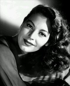 I'm in love with her hair! #avagardner #femmefatale #1940