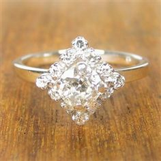 Anastasia Vintage Engagement Ring circa 1950...but I'll skip the engagement altogether and take the ring cos it's too pretty. <3