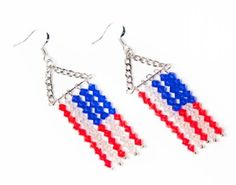 Happy Flag Day!  or Happy 4th of July!  Perfect for the holiday picnic or fireworks show.  I'd use a 5-strand connector to keep the pins seperated, though.  Salute Earrings Pattern - DIY Beading #CousinCorp