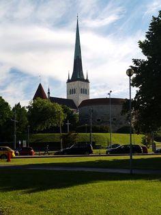 St Olaf's church from outside the Tallinn Old City wall, Estonia  Estonia Landscape  An eisen Blog vill méi Informatiounen  https://storelatina.com/estonia/travelling  #weightloss #Estónsko #estonja #detox