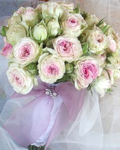 pink roses bouquet