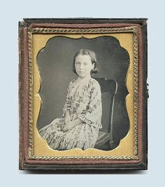 1/6 PLATE DAGUERREOTYPE  PHOTO PORTRAIT OF A GIRL