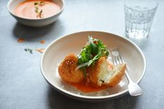 Kublanka vaří doma - Arancini s mozzarellou a paprikovou omáčkou