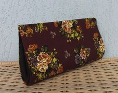 Clutch Floral Marrom