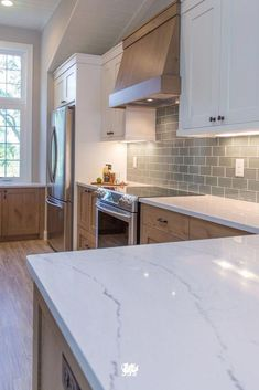43 The Best Ideas For Neutral Kitchen Design Ideas kitchen New Kitchen Cabinets, Kitchen Backsplash, Kitchen Countertops, Quartz Countertops, Backsplash Ideas, Wood Cabinets, Floors Kitchen, White Cabinets, Granite Kitchen