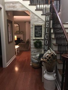 Great Stylish 41 Beautiful Rustic Entryway Decor Ideas – All About Home Decoration Rustic Entryway, Entryway Decor, Entry Foyer, Split Foyer Entry, Entry Nook, Bedroom Decor, Apartment Entryway, Rustic Apartment, Basement Apartment