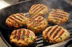 Turkey burgers that work for any phase! Grill these without oil for Phase 1 and Phase 2 of The Fast Metabolism Diet. Fast Metabolism Recipes, Hcg Diet Recipes, Fast Metabolism Diet, Bariatric Recipes, Metabolic Diet, Cooking Recipes, Healthy Recipes, Bariatric Eating, Pureed Recipes