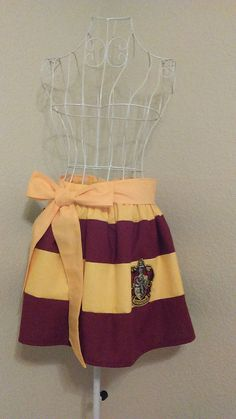 Hey, I found this really awesome Etsy listing at https://www.etsy.com/listing/245867999/gryffindor-harry-potter-themed-skirt