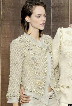 Celebrities who wear, use, or own Chanel S/S 2010 RTW Jacket. Also discover the movies, TV shows, and events associated with Chanel S/S 2010 RTW Jacket. Chanel Jacket Trims, Chanel Style Jacket, Moda Chanel, Knit Fashion, Womens Fashion, Couture Details, Linen Jackets, Chanel Fashion, Classy Women