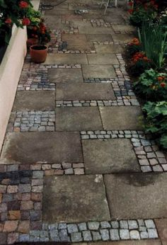 Stone Garden Paths, Garden Paving, Garden Stones, Concrete Garden, Outdoor Walkway, Design Jardin, Small Backyard Landscaping, Landscaping Ideas, Backyard Ideas