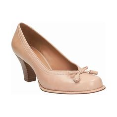Die Marke Clarks steht für Schuhmacherkunst, Premium Materialien und höchste Qualität. #Clarks #eboutic #privatverkauf Clarks, Mary Janes, Peeps, Peep Toe, Loafers, Shoes, Fashion, Fashion Styles, Travel Shoes