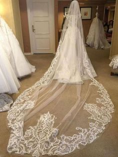 Find cheap lace wedding veils online sale, beautiful long/short wedding veils are available at cheap price. Online shopping wedding veils help you to get the quality wedding veils at Tidebuy! Tulle Wedding, Dream Wedding Dresses, Bridal Dresses, Wedding Bouquets, Bridal Veils, Lace Wedding Veils, Wedding Favors, Wedding Gifts, Wedding Invitations