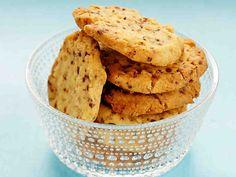 Piparminttukeksit Something Sweet, Margarita, Cereal, Cookies, Baking, Breakfast, Desserts, Recipes, Food