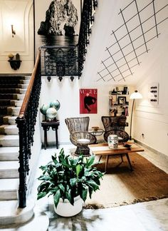 a dramatic entryway like this is one for the books. #woah...