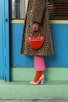 A leopard coat and a croc bag // Click through for full outfit details and to see all of my newest J.Crew arrivals picks on Atlantic-Pacific Mode Outfits, Fashion Outfits, Womens Fashion, Fashion Trends, Fashion Shirts, Stylish Outfits, Fall Outfits, Summer Outfits, Fashion Details