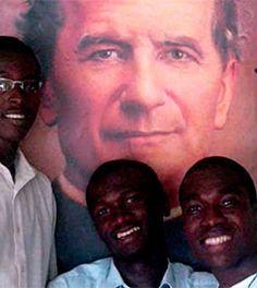 Jóvenes cristianos y musulmanes se unen contra el virus del Ébola en Liberia