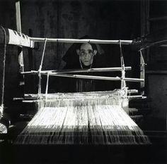 Ugo Pellis Sardegna 1935. Donna al telaio.