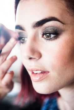 Lily Collins talks with us as she gets ready for the Los Angeles premiere of The… Makeup Art, Beauty Makeup, Eye Makeup, Hair Beauty, Makeup Style, Makeup Ideas, Phil Collins, Natural Wedding Makeup, Bridal Makeup