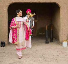 Punjabi Couple, Punjabi Bride, Punjabi Wedding, Punjabi Suits, Patiala Suit, Wedding Dress Styles, Wedding Suits, Bridal Dresses, Wedding Bride