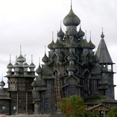 Organic Architecture! Kiev - Russian Orthodox wooden church...must.......EXPLORE!!