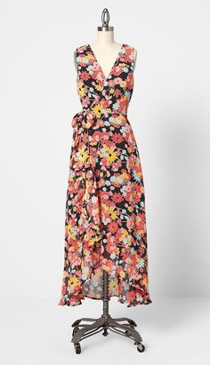 Plus Size Floral Sash Tie Sleeveless Summer Wrap Maxi Dress. Chic summer wrap maxi dress in all plus sizes with bright florals, this sleeveless, sash-tied summer dress with loads of potential Plus Size Occasion Dresses, Plus Size Maxi Dresses, Nice Dresses, Short Sleeve Dresses, Dresses With Sleeves, Amazing Dresses, Wrap Dress Floral, Maxi Wrap Dress, Dress Out