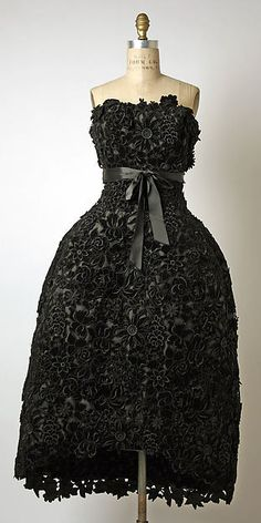 Evening dress - Evening dress Design House: House of Givenchy (French, founded 1952) Designer: Hubert de Givenchy (French, born Beauvais, 1927) Date: ca. 1956 Culture: French Medium: silk Dimensions: Length at CB: 45 3/4 in. (116.2 cm) Credit Line: Gift of Rodman A. Heeren, 1961