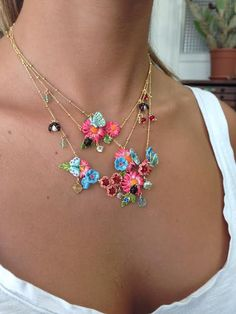 A beautiful necklaces association for the last days of summer sale!
