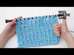 Comment tricoter le point de résille - How to knit fishnet stitch Jeudi: Tutoriel Fishnet Stitch with Wool and the Gang! Lace Knitting Patterns, Knitting Stiches, Knitting Wool, Hand Knitting, Stitch Patterns, Easy Stitch, Chiffon, How To Purl Knit, Le Point