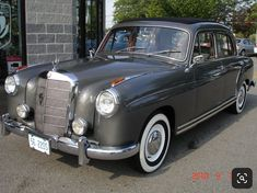 Mercedes 180, Mercedes Models, Classic Mercedes, Mercedes Benz Cars, Vintage Cars, Antique Cars, Merc Benz, Good Looking Cars, Abandoned Cars